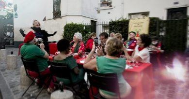 Véronica Antonelli chante la libération avec la Commune libre!